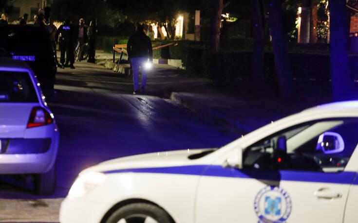 Αναστάτωση μεταξύ τηλεοπτικού συνεργείου και ασφάλειας έξω από το σπίτι του Τσίπρα στο Σούνιο