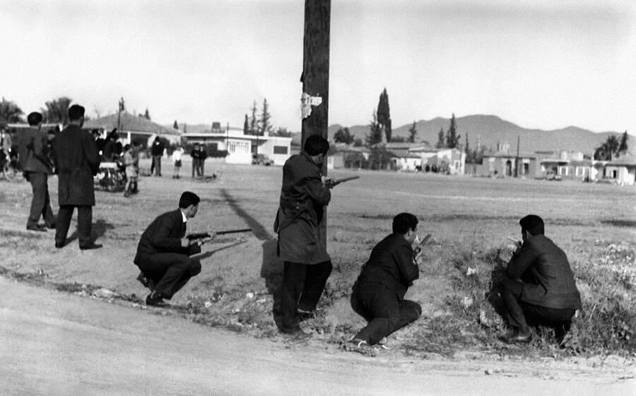 Όταν η χούντα απέσυρε την ελληνική μεραρχία από την Κύπρο εγκαταλείποντάς την στα νύχια του «Αττίλα»