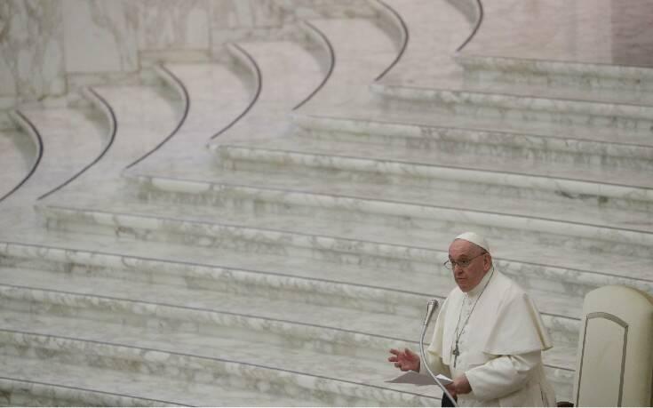 Βατικανό: «Ο καταναλωτισμός κατάφερε να κατασχέσει τα Χριστούγεννα»