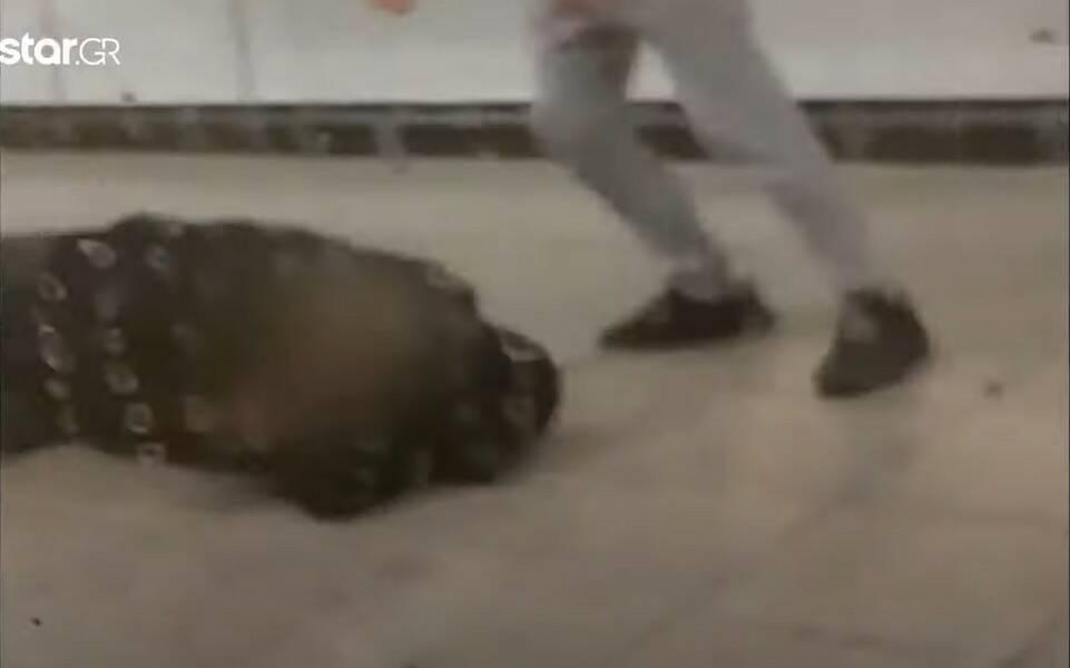 Βίντεο που σοκάρει από τον άγριο ξυλοδαρμό εργαζόμενου του μετρό από νεαρούς αρνητές της μάσκας