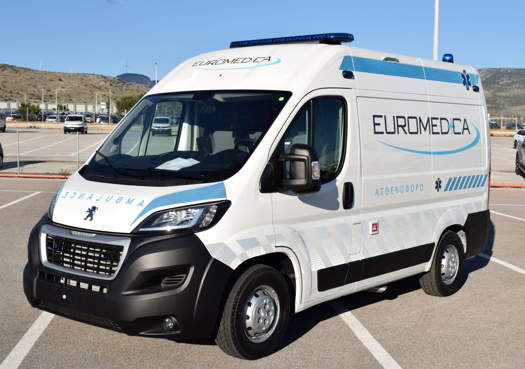 Έξι BOXER-ασθενοφόρα από την PEUGEOT στην EUROMEDICA