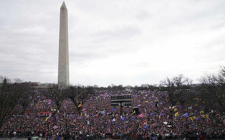 Ο Ντόναλντ Τραμπ καλεί τον Μάικ Πενς να μην επικυρώσει στο Κογκρέσο τη νίκη του Τζο Μπάιντεν