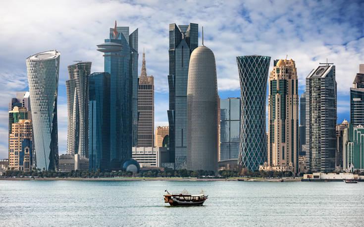 H Αίγυπτος ανοίγει και πάλι τον εναέριο χώρο της στο Κατάρ