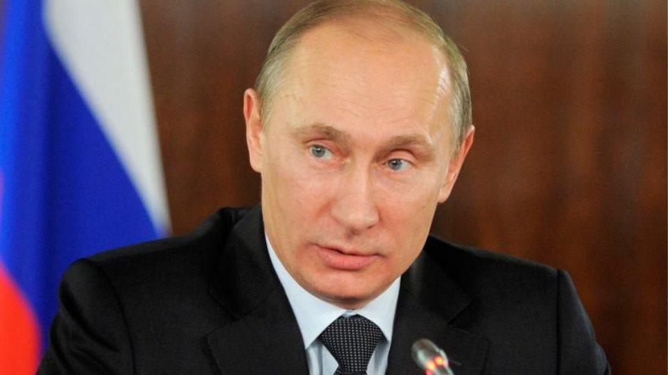 Ρωσία: Υπέγραψε την ανανέωση της σύμβασης START για τα πυρηνικά ο Πούτιν