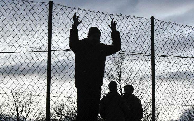 Η ΕΕ καταγγέλλει τις «απαράδεκτες» συνθήκες διαβίωσης μεταναστών στη Βοσνία