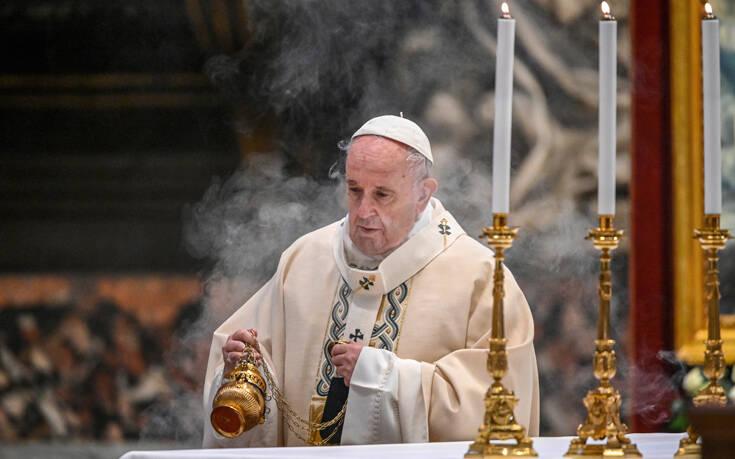 Πάπας Φραγκίσκος: Με λυπεί το γεγονός ότι ορισμένοι σκέφτονται μόνο να περάσουν καλά