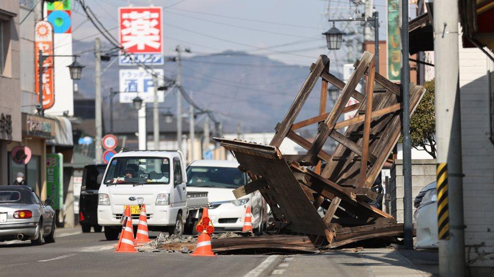 Ιαπωνία: Τουλάχιστον 100 τραυματίες από τον ισχυρό σεισμό στα ανοιχτά της Φουκουσίμα (βίντεο)