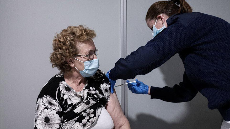 Πιερρακάκης: Πάνω από 1 εκατ. πολίτες έκλεισαν ραντεβού για να εμβολιαστούν