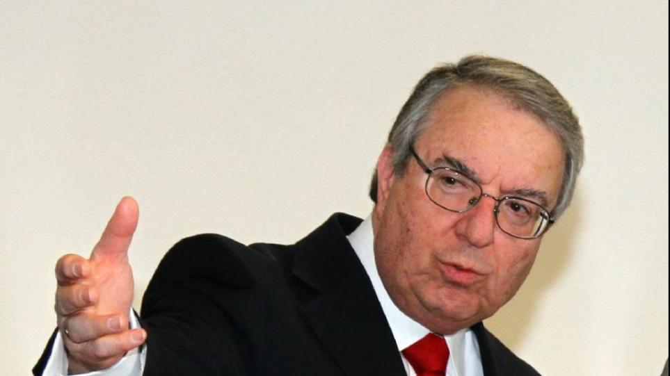Μπαμπινιώτης για επίθεση που δέχεται για Λιγνάδη: «Απέναντι σε μια οργανωμένη απόπειρα διασυρμού θα αμυνθώ»