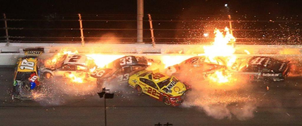 Daytona 500:Στον τελευταίο γύρο ήρθε η καταστροφή-Video