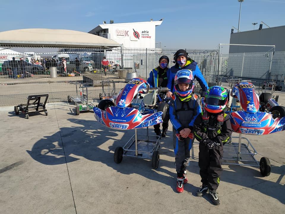 Δύο αδέλφια σε αγώνα κάρτ στη πίστα Adria Raceway της Ιταλίας