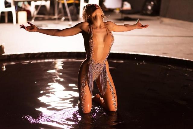 Η Σίλια Κριθαριώτη θα ντύσει την Έλενα Τσαγκρινού στη φετινή Eurovision