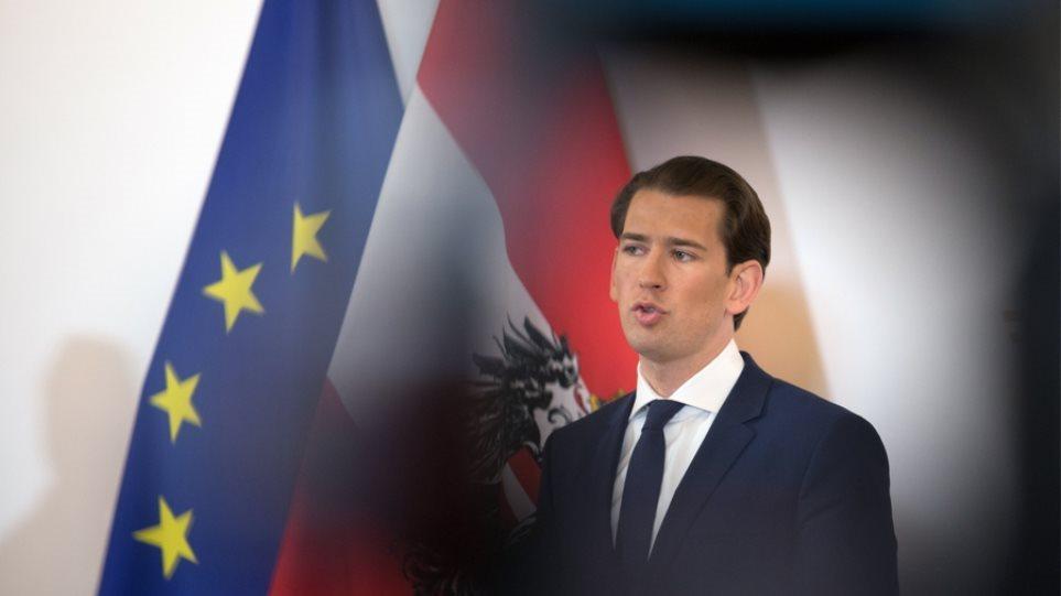 Κορωνοϊός – Αυστρία: «Ναι» από τον Κουρτς για την παραγωγή του ρωσικού και κινεζικού εμβολίου στην χώρα