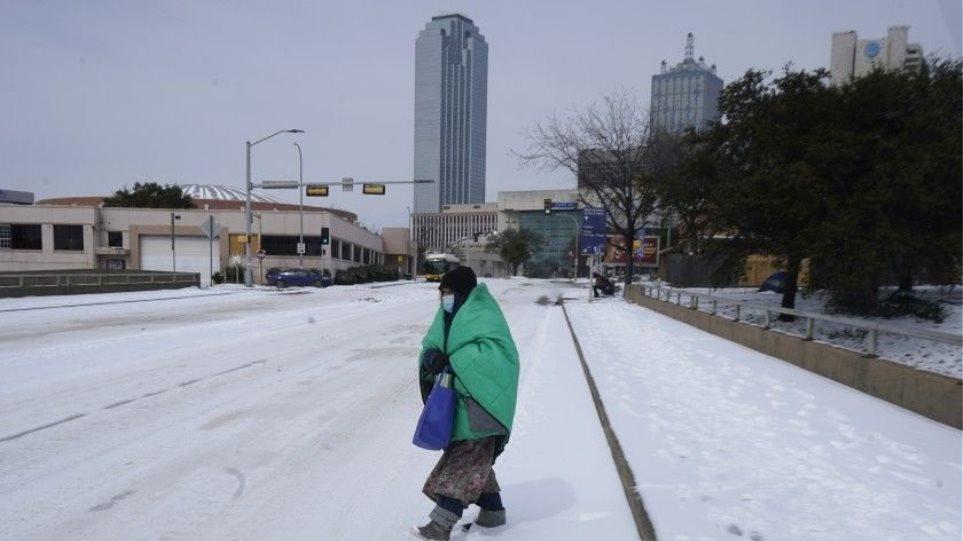 ΗΠΑ: Η κακοκαιρία «έκλεισε» τα εργοστάσια που παράγουν τσιπάκια στο Τέξας