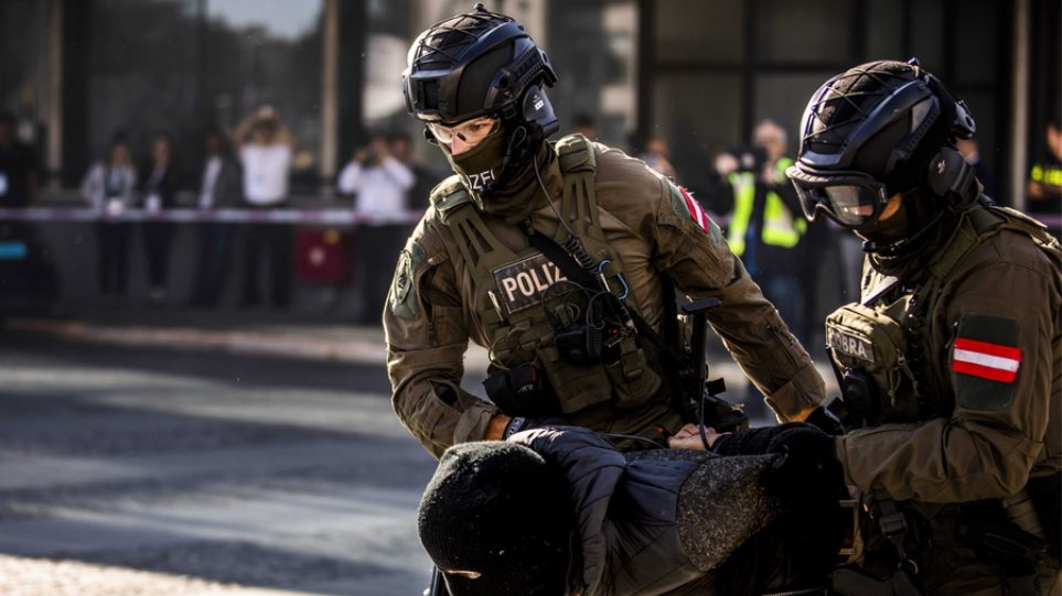 Europol: Χειροπέδες σε 38 άτομα σε Γαλλία, Ρουμανία, Μολδαβία – Συμμετείχαν σε δίκτυο παράνομης διακίνησης μεταναστών