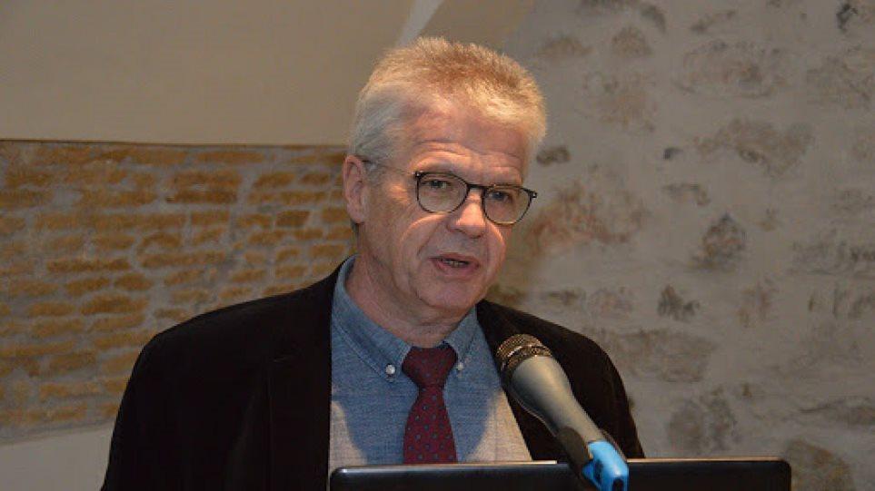 Συναγερμός στους λοιμωξιολόγους για τις μεταλλάξεις – Γώγος: Δεν αποκλείεται πιο αυστηρό lockdown