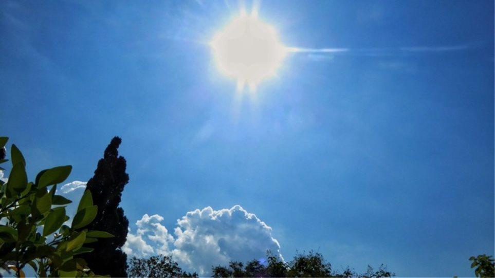 Καιρός: Αίθριος με μικρή άνοδο της θερμοκρασίας  – Τοπικές βροχές σε Δωδεκάνησα και Κρήτη