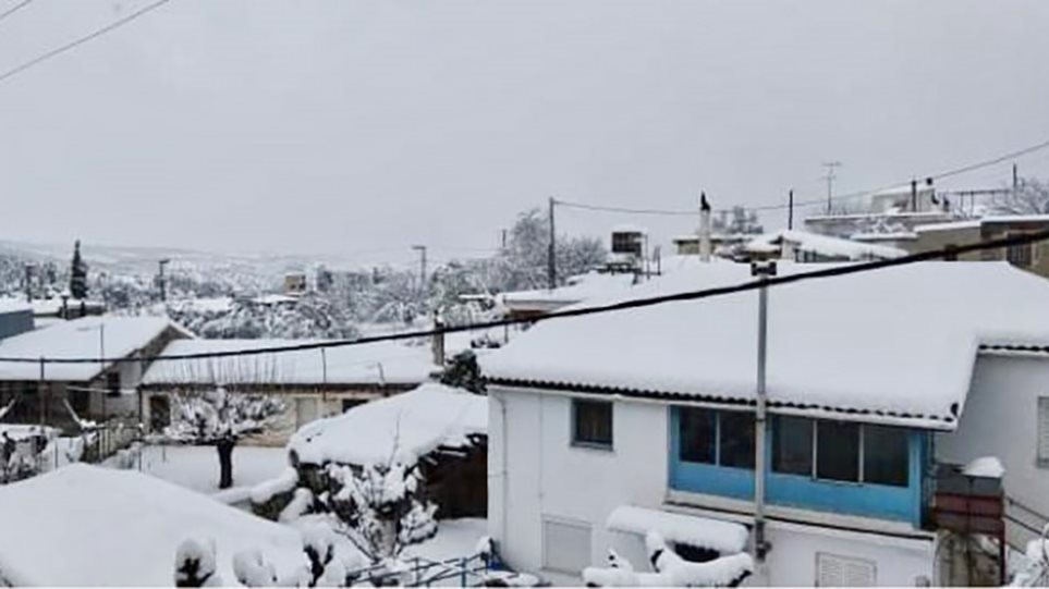 Στο έλεος της κακοκαιρίας επτά χωριά στην Εύβοια – Χωρίς ρεύμα και νερό από την Κυριακή