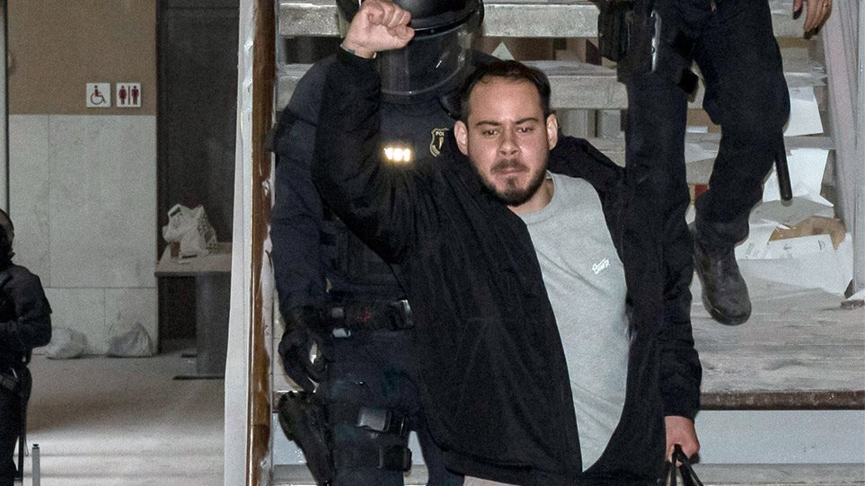 Πάμπλο Χασέλ: O ράπερ που έχει βάλει σε μπελάδες την ισπανική κυβέρνηση