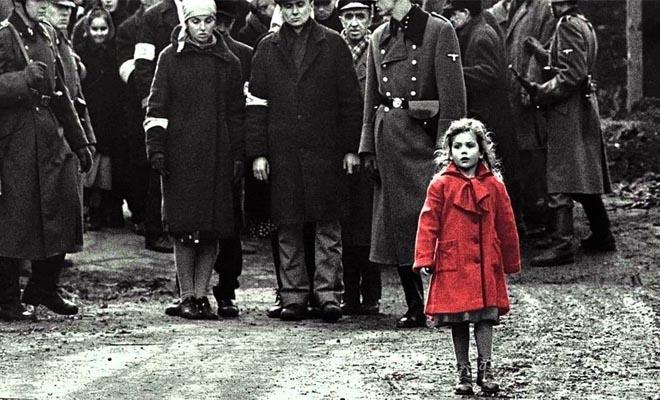 Πώς είναι σήμερα το κοριτσάκι με το κόκκινο παλτό από τη «Λίστα του Σίντλερ»
