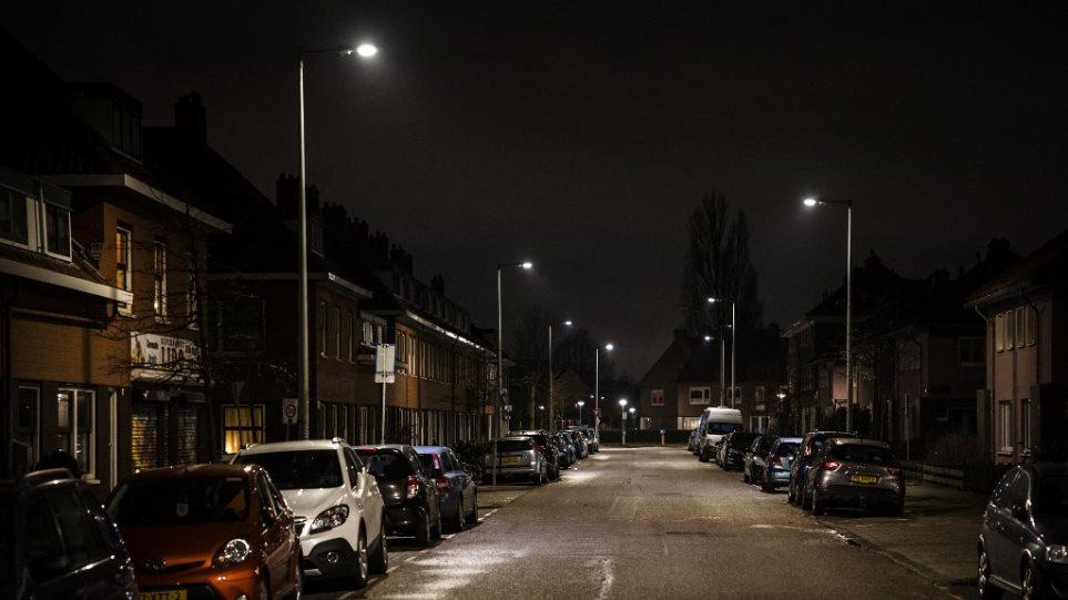 Ολλανδία: Εγκρίθηκε το νομοσχέδιο για την νυχτερινή απαγόρευση κυκλοφορίας