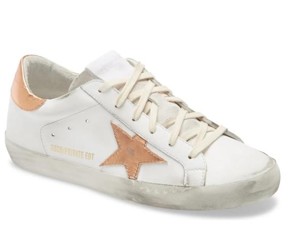 Η Megan Fox φόρεσε τα ωραιότερα sneakers αυτής της σεζόν