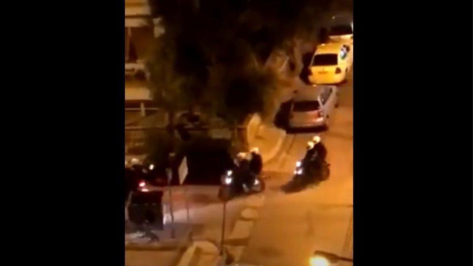 Πανόρμου: Έρευνα για αστυνομικούς που έσπασαν το φανάρι παρκαρισμένου αμαξιού