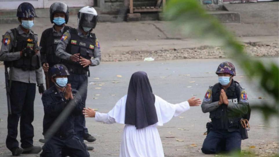 Πραξικόπημα στη Μιανμάρ: Ο στρατός διαπράττει «εξωδικαστικές εκτελέσεις»-Δείτε βίντεο