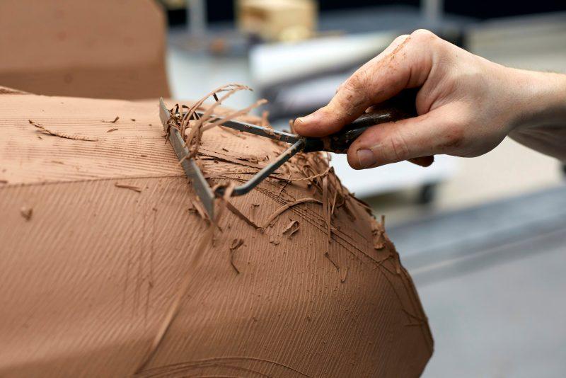 'Takumi':Οι δεξιοτέχνες των πήλινων μοντέλων Mazda.