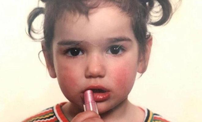 Εσύ αναγνωρίζεις την διάσημη τραγουδίστρια στο κοριτσάκι της φωτό;