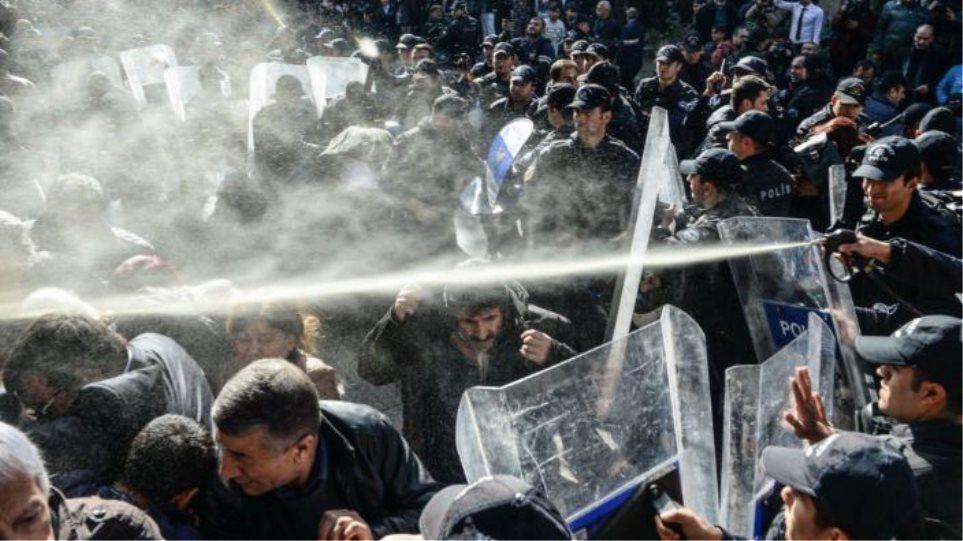 Διαδηλώσεις στην Κωνσταντινούπολη για τη βία σε βάρος των γυναικών