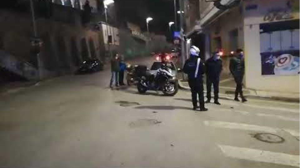 Πάτρα: Επίθεση με μολότοφ σε δύο μηχανές της Τροχαίας