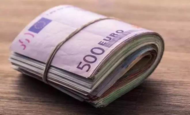 «Πήγε να με δωροδοκήσει με 40.000 ευρώ για να πάρει τίτλο στα καλλιστεία»