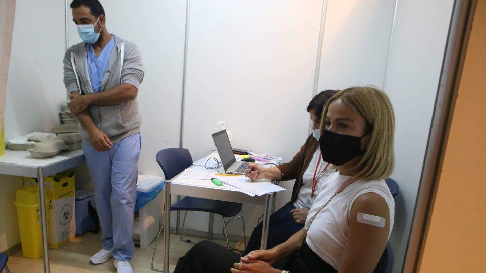 Κύπρος: Εμβολιάστηκαν οι υπουργοί με το εμβόλιο της AstraZeneca