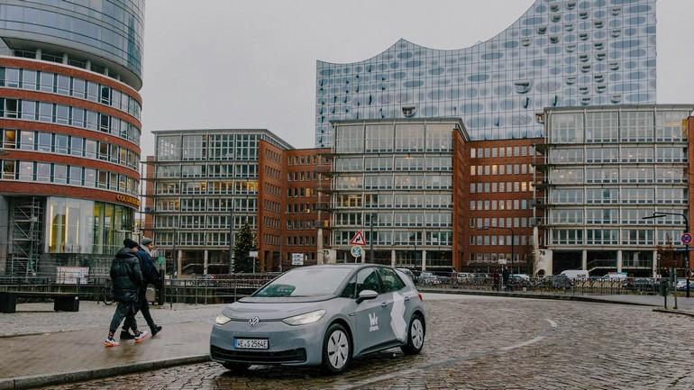 """Η Volkswagen υλοποιεί και στο Αμβούργο το πρόγραμμα """"WeShare"""" με ηλεκτρικά αυτοκίνητα"""