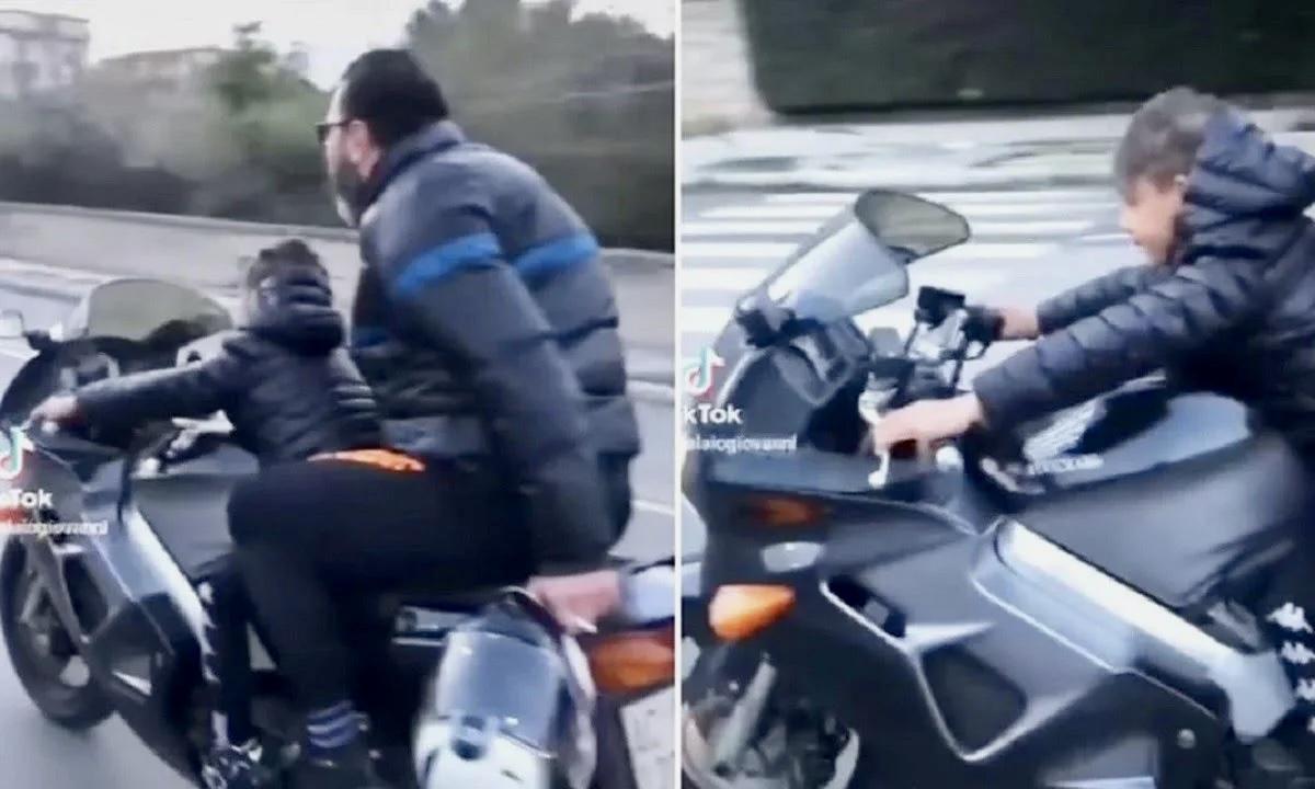 ΣΟΚ – Ασυνείδητος πατέρας έβαλε τον γιο του να οδηγήσει την μηχανή!