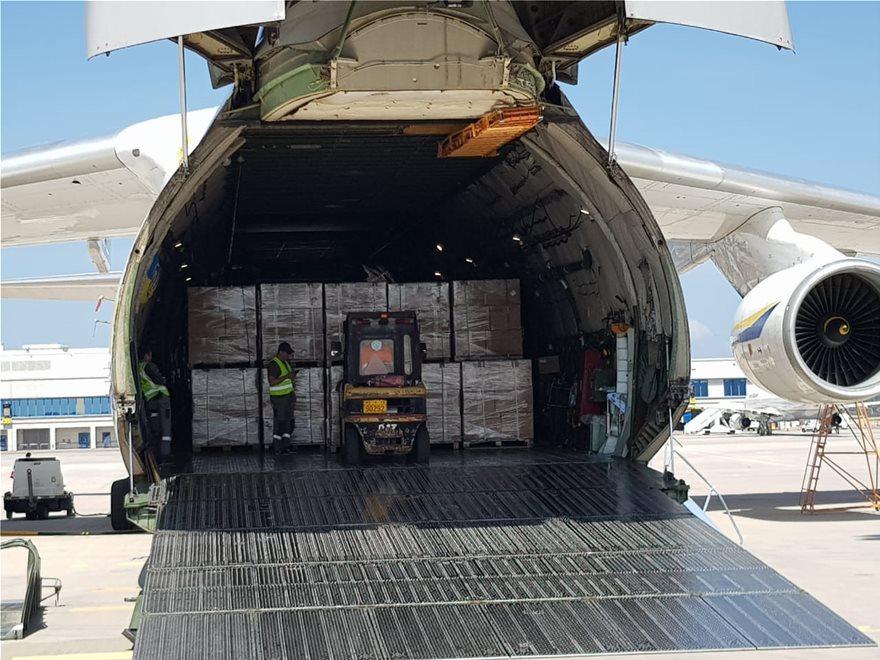 Παρελήφθησαν άλλα 2,1 εκατ. self tests – Έφτασαν στο «Ελ. Βενιζέλος» με αεροσκάφος Antonov