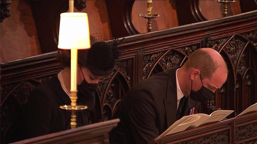 Κηδεία πρίγκιπα Φίλιπππου: Οι ενδυματικές επιλογές και η «σημειολογία» των κοσμημάτων