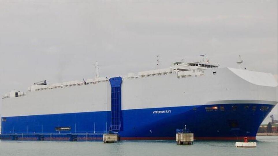 Επίθεση σε ισραηλινό εμπορικό πλοίο στα Εμιράτα – Κατηγορούν το Ιράν
