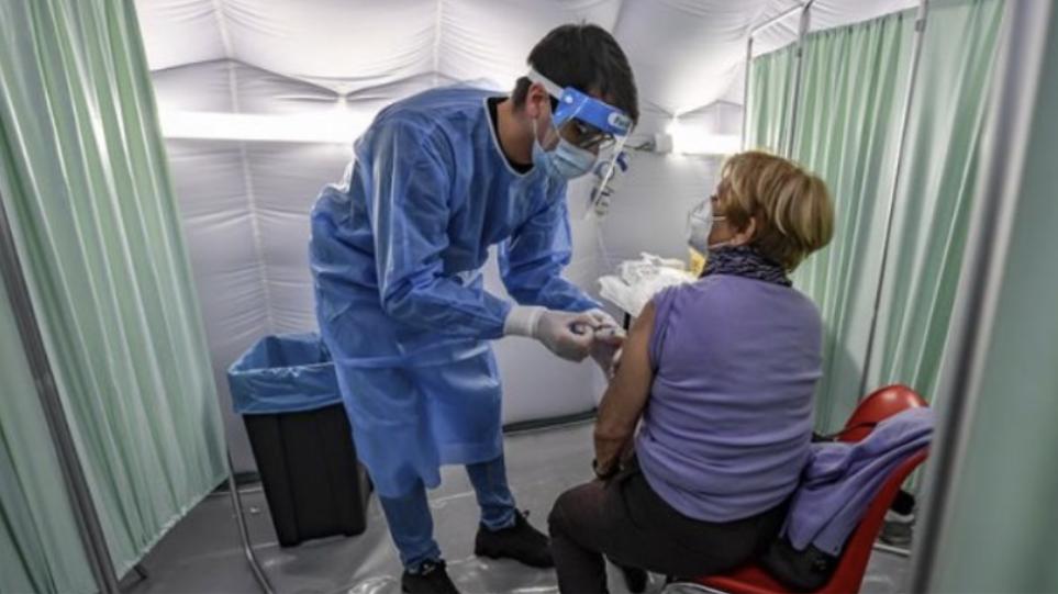 Αέρας ανακούφισης στις ΗΠΑ: Πάνω από 100 εκατ. έχουν εμβολιαστεί – Μείωση ιικού φορτίου και ανεργίας