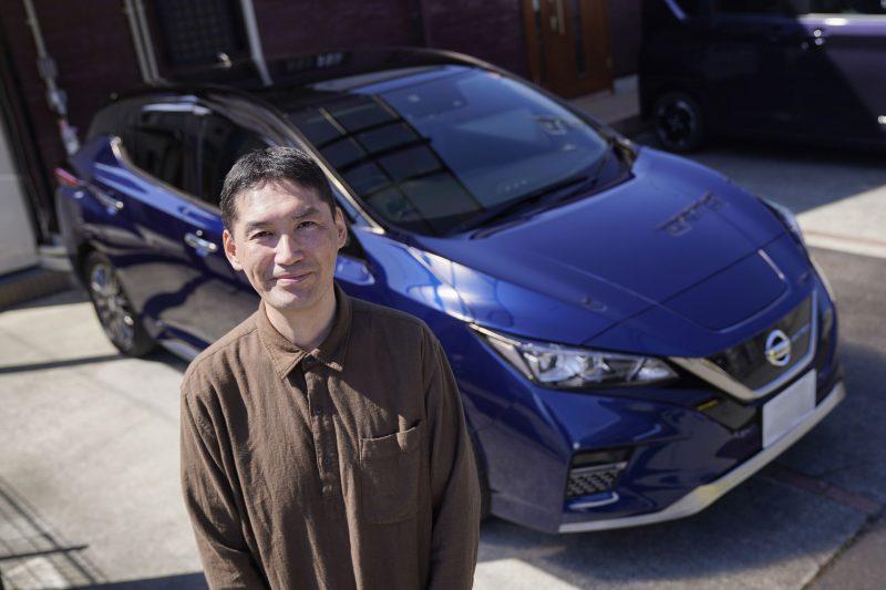 Με τις μπαταρίες του ηλεκτρικού Nissan LEAF ηλεκτροδότησε το διαμέρισμά του