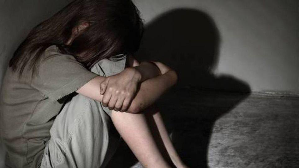 Συναγερμός για 13χρονη στο Αίγιο – Πήρε τηλέφωνο στο «Χαμόγελο του Παιδιού» και είπε «θέλω να αυτοκτονήσω»