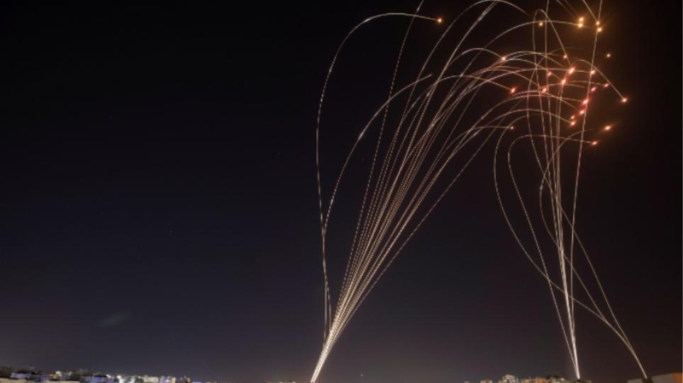 Περίπου 1.500 ρουκέτες εκτοξεύθηκαν από τη Λωρίδα της Γάζας εναντίον του Ισραήλ από τη Δευτέρα