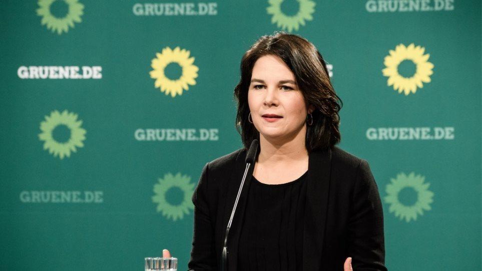 Γερμανία: «Μάχη» με τους haters στο διαδίκτυο δίνει η Αναλένα Μπέρμποκ