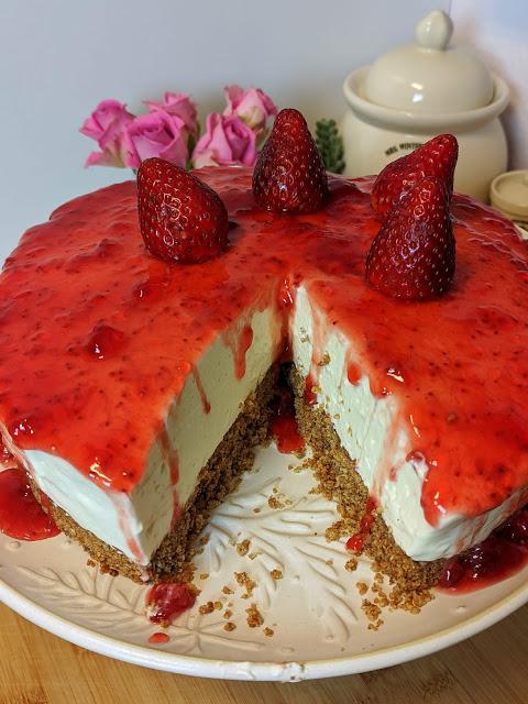 Cheesecake με μαρμελάδα φράουλα η κεράσι !!!