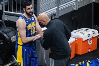 Βοηθός προπονητή επιτέθηκε σε παίκτη της ομάδας του!