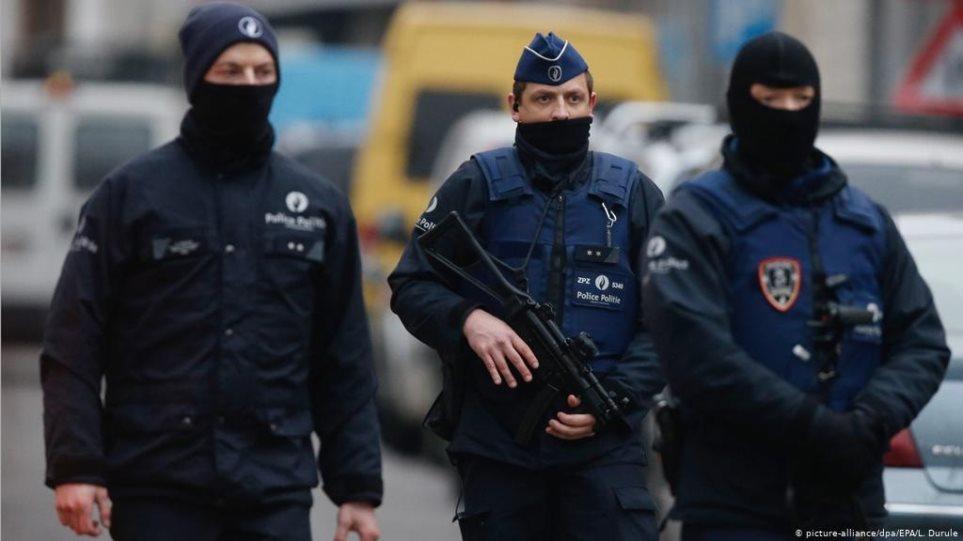 Βέλγιο: Ανθρωποκυνηγητό για οπλισμένο ακροδεξιό που απειλεί διακεκριμένο ιολόγο