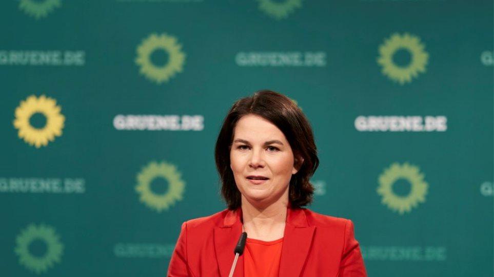 Γερμανία: Πρώτοι οι Πράσινοι και η Αναλένα Μπέρμποκ σε δημοσκόπηση του ARD