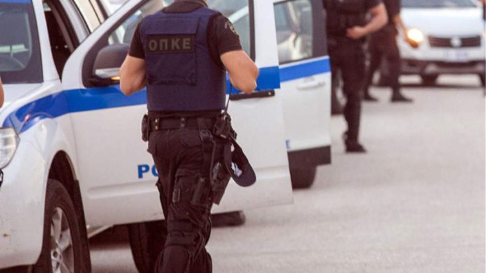Άνω Λιόσια: Συνελήφθη 75χρονος που αυνανιζόταν έξω από σχολείο