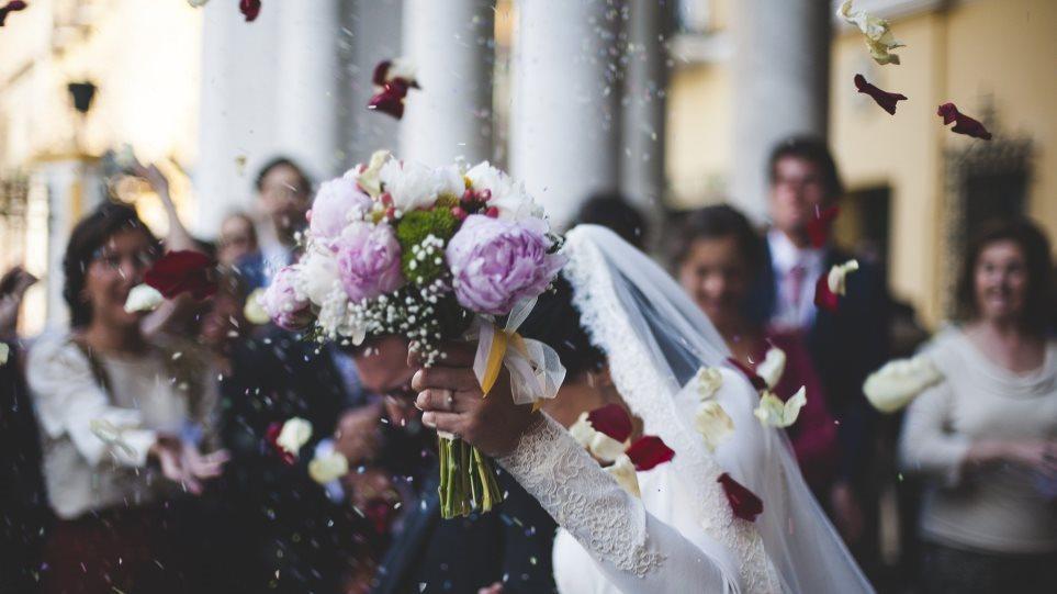 Παπαθανάσης: Τον Ιούνιο ανοίγουν τα κτήματα για τους γάμους – Προς κατάργηση το click inside